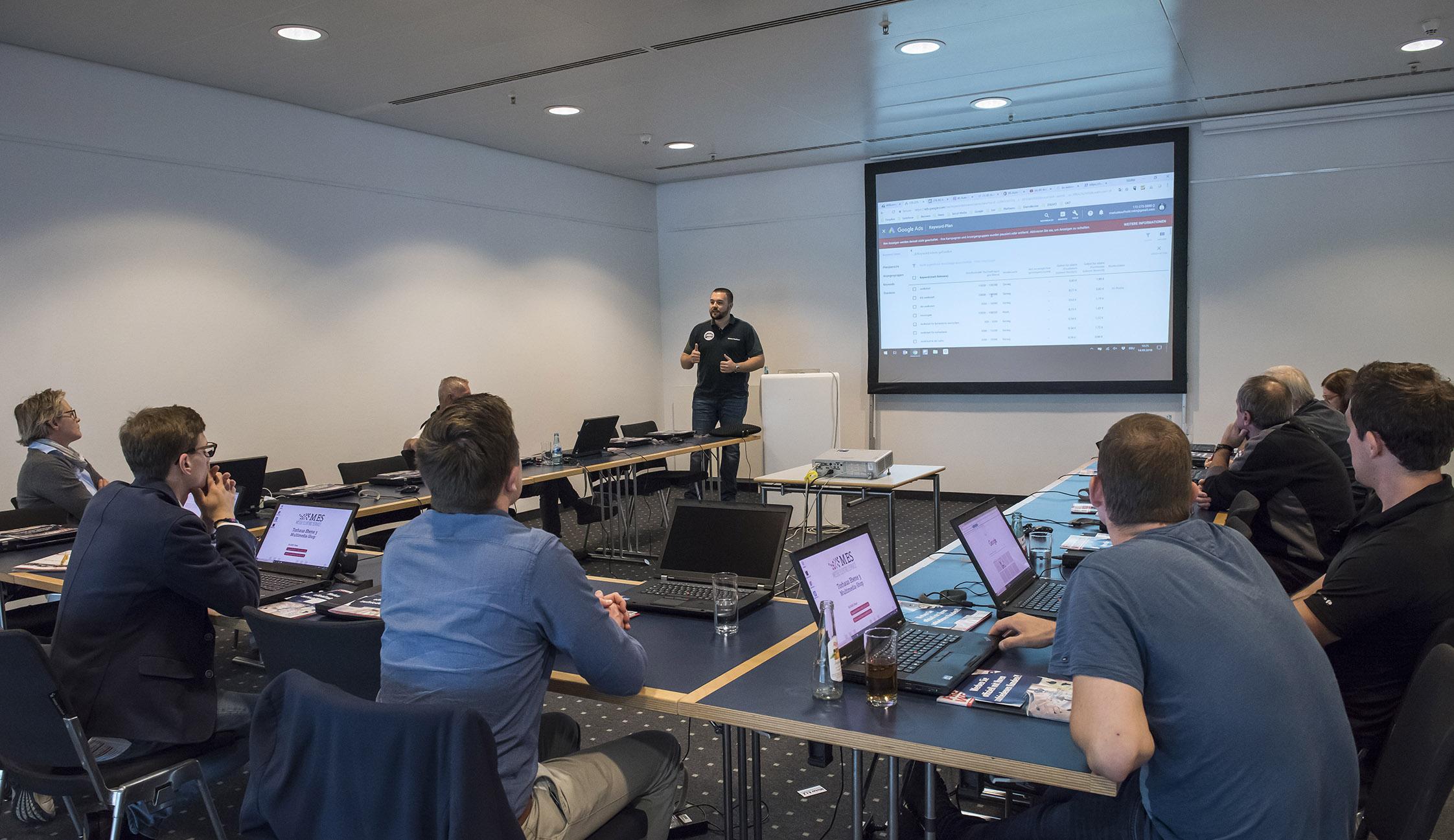 live-coaching-online-marketing-in-der-werkstatt