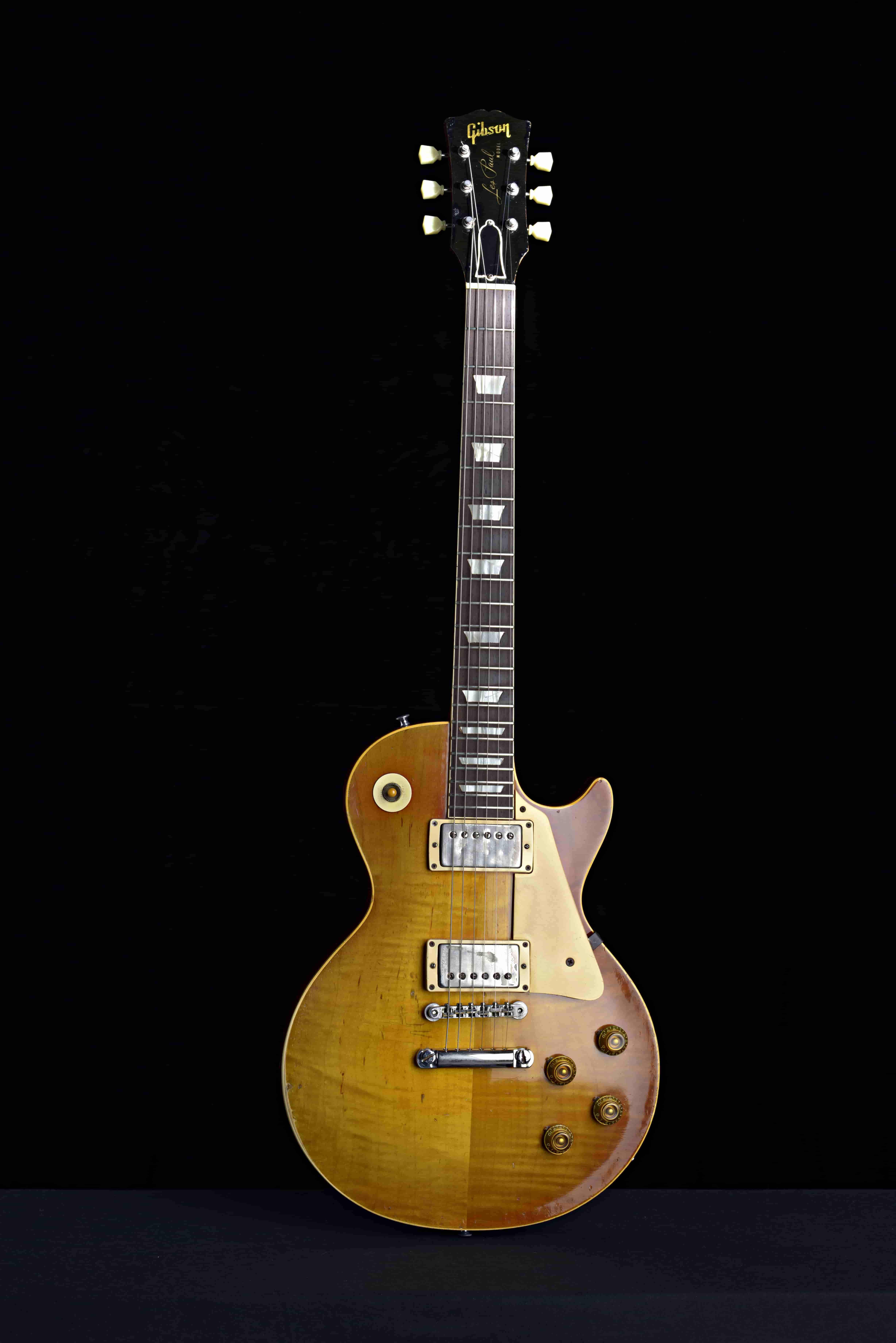 gibson-sounds-live-on-stage